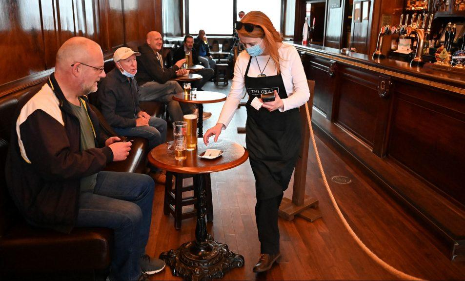 Industry body: Pubs and restaurants 'already on life support'.