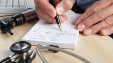 Doctor, medical worker, medic.