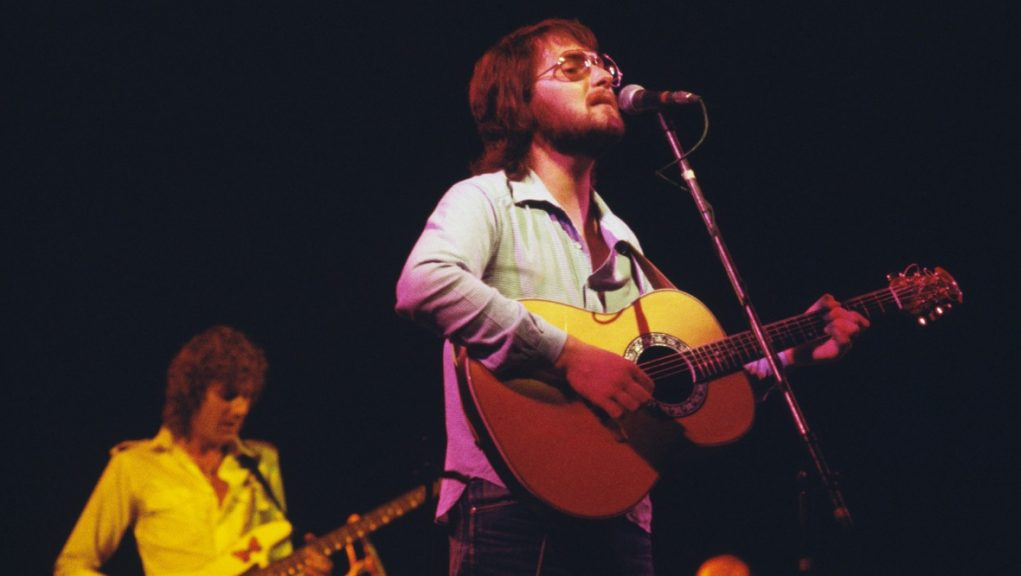 A house once owned by singer Gerry Rafferty is now on the market.