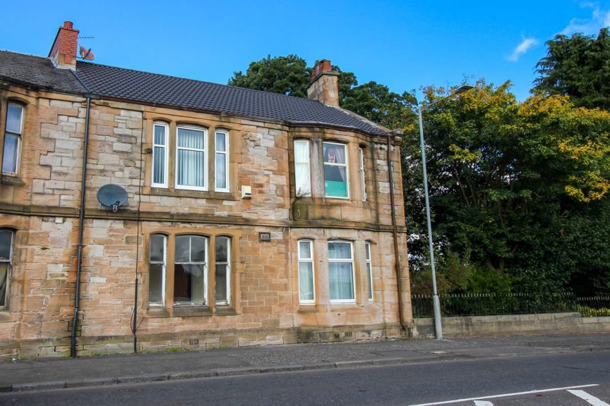 The one-bedroom flat in Falkirk being sold for just £14,000.