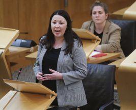Monica Lennon has urged Nicola Sturgeon to introduce abortion clinic 'buffer zones'.